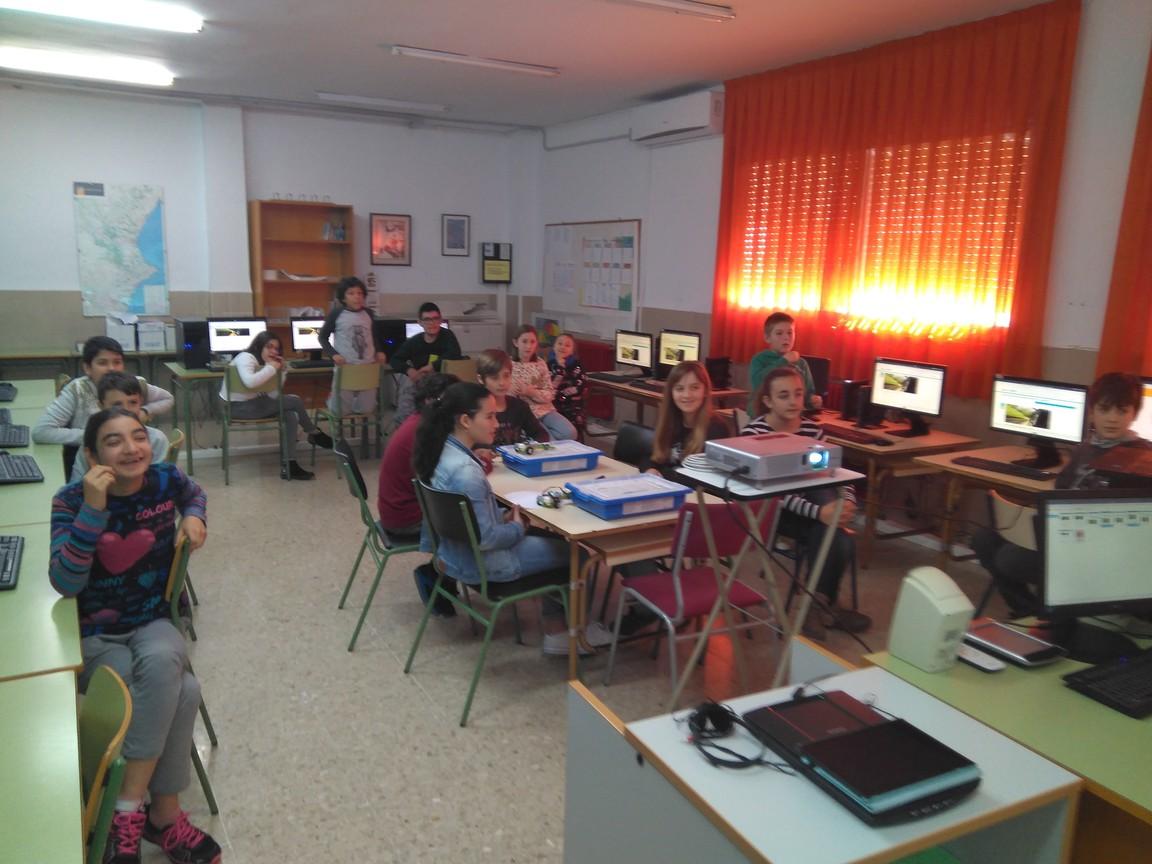b6f6e439 - Πρωτοποριακό πρόγραμμα ρομποτικής eTwinning στο 1ο Δημοτικό Σχολείο Τυρνάβο